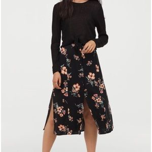H&M (NEW!) Floral Slit Button Down Skirt